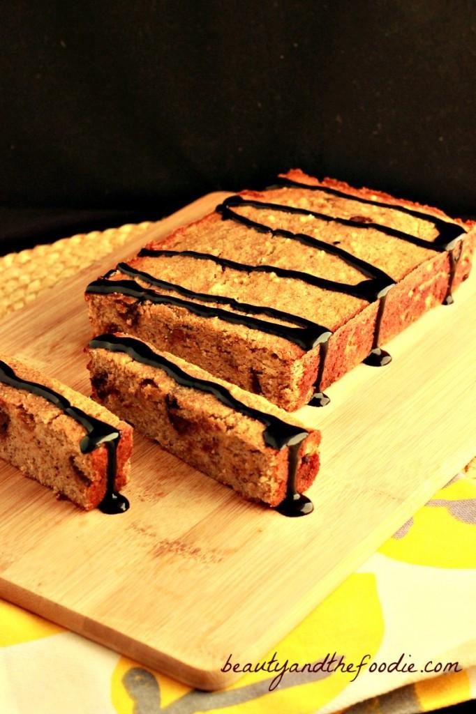 Paleo Banana Almond Bread / beautyandthefoodie.com
