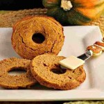 Low Carb and Grain free Pumpkin Spice Bagels. beautyandthefoodie.com