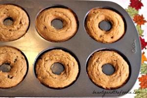 Paleo Cinnamon Raisin Bagels/ beautyandthefoodie.com