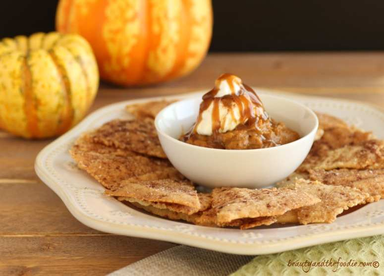 Paleo Pumpkin Pie Dessert Nachos. Grain free and low carb version.