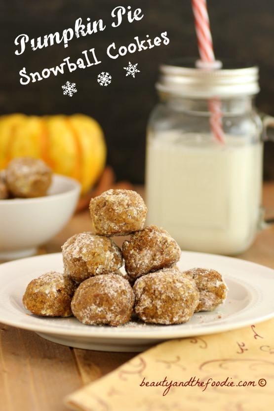 Pumpkin Pie Snowball Cookies, grain free, paleo and low carb version #paleopumpkinsnowballcookies #lowcarbpumpkinsnowballcookies