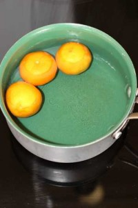 Boiling the whole mandarin oranges