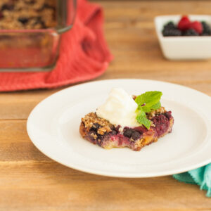 Low carb and paleo Berry Pie Crumble Squares.