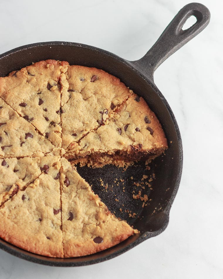 Keto Peanut Butter Chocolate Chip Skillet Cookie- Low Carb and Gluten Free