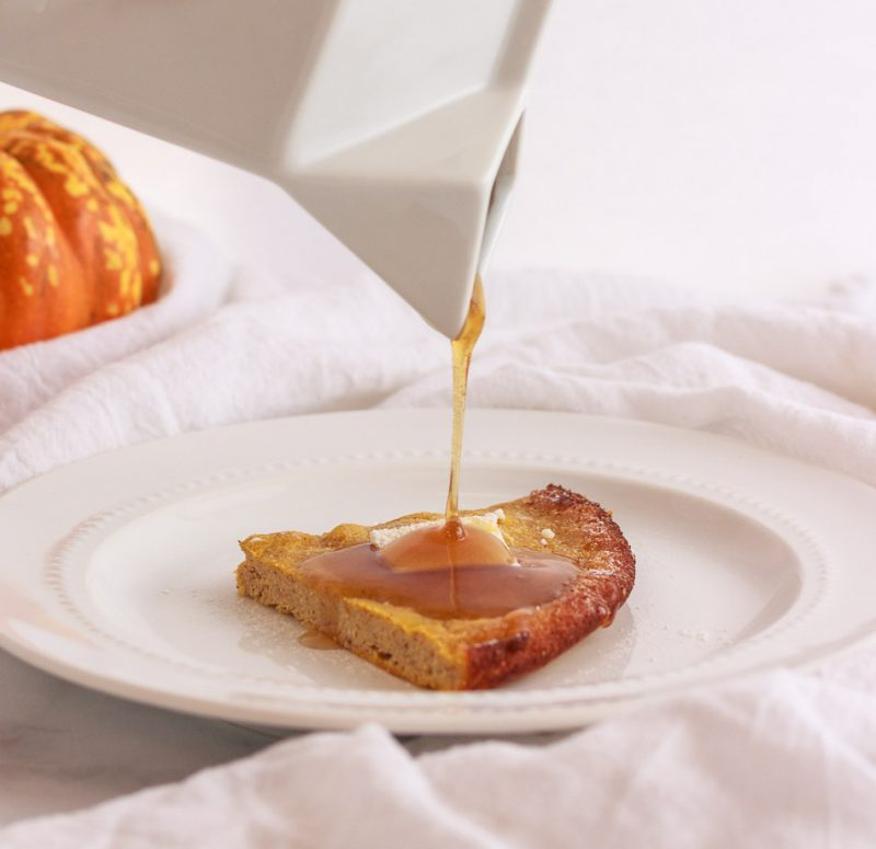 Keto Pumpkin Dutch Baby Pancake- keto , low carb & paleo