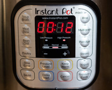 Setting the Instant Pot Timer.
