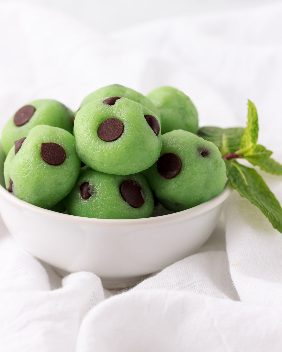 Little green mint cheesecake balls with chocolate chips